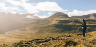 Wanderer unterwegs in Island