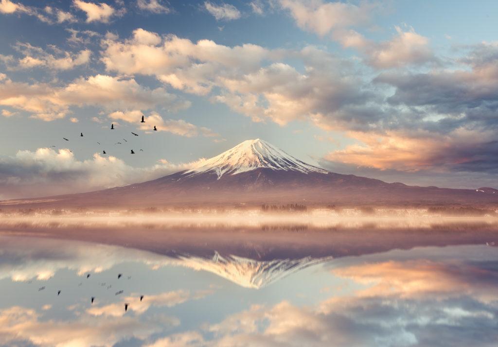 Der Mount Fuji mit Spiegelung im Kawaguchiko See