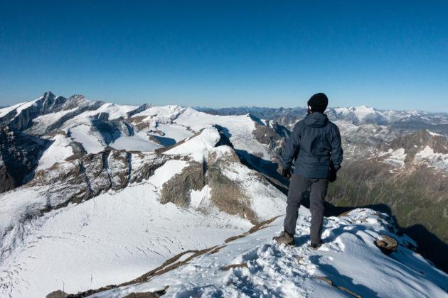 Blick vom Gipfelgrat Richtung Großglockner