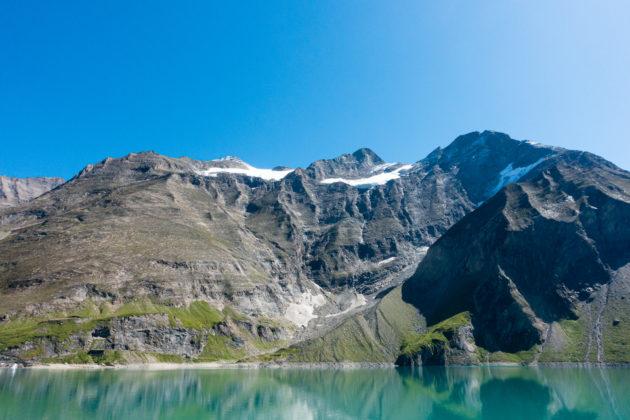 Mooserboden Stausee mit einem ersten Blick auf das Große Wiesbachhorn