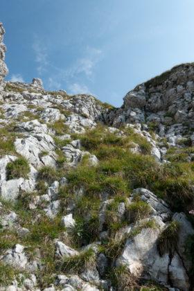 Leichte Kletterei am Weg auf den Gipfel