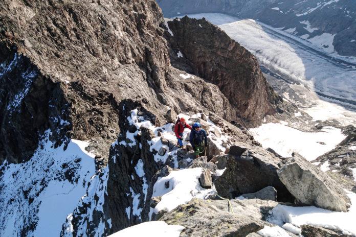 Die ersten Klettermeter am Grat