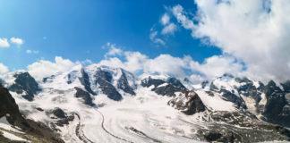 Panorama vom Piz Palü und dem umliegenden Bergland