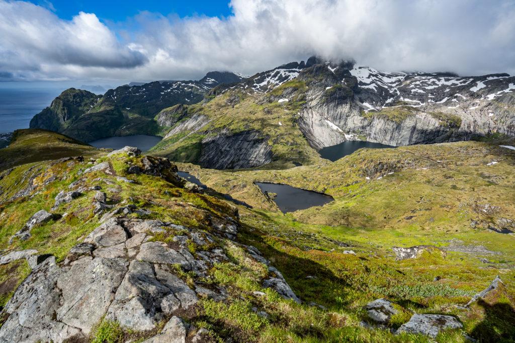 Aussicht vom Gipfel des Merraflestinden auf den Lofoten