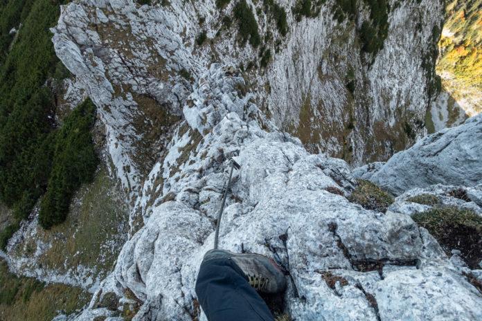 Blick zurück auf den ersten Teil des Gipfelgrats