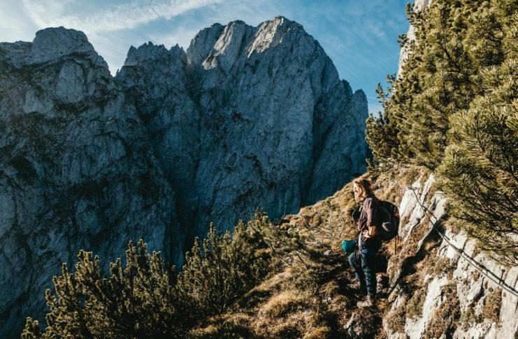 Bergsteiger im Donnerkogel Klettersteig