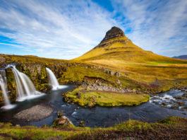 Langzeitbelichtung des Kirkjufell in Island