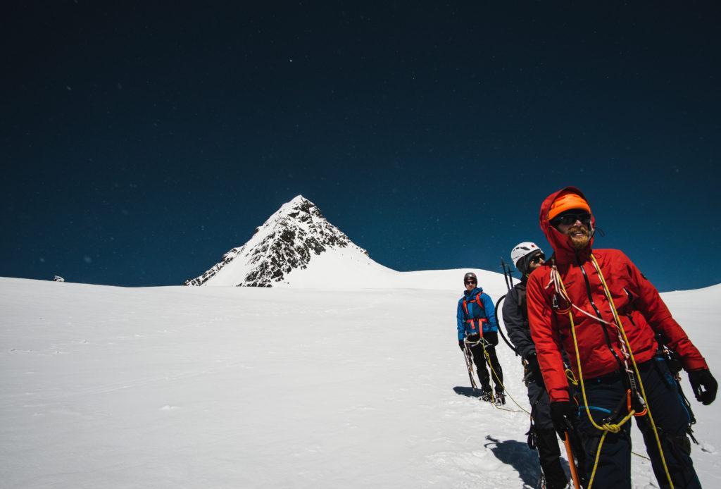 Bergsteiger am Abstieg vom Großglockner
