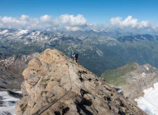 Kletter am Gipfelgrat auf das Kitzsteinhorn