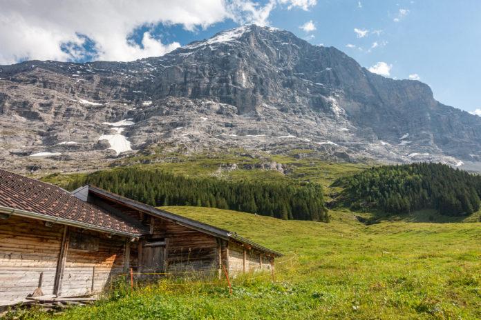Die Eiger Nordwand vom Bahnhof Alpiglen aus