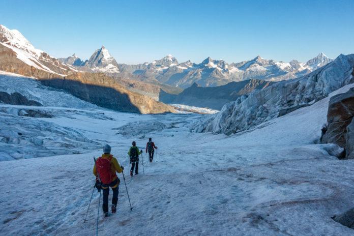 Bergsteiger am Grenzgletscher in der Schweiz