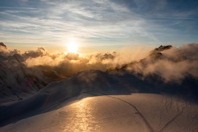 Sonnenuntergang am Gipfel der Signalkuppe
